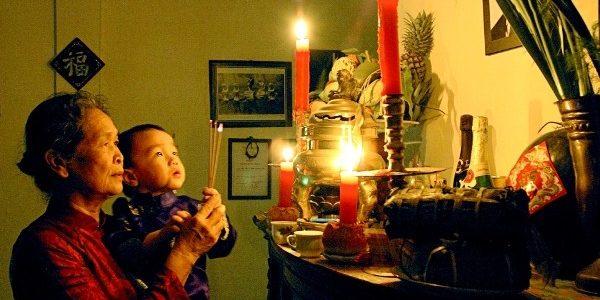 Phong tục lập tự của người Việt