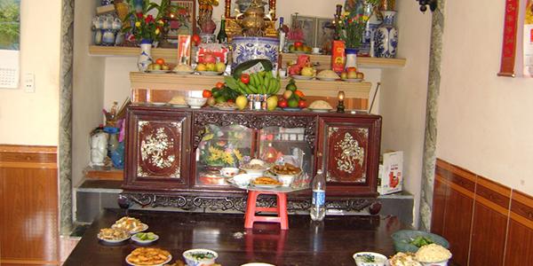 Văn khấn lễ rước linh vị vào chính điện và yết cáo Tiên tổ